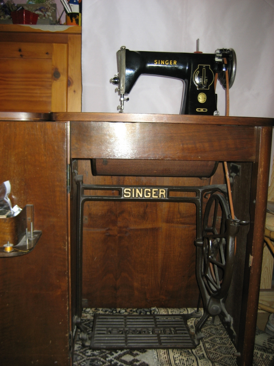 Ancienne machine a coudre singer luckyfind - Vieille machine a coudre ...