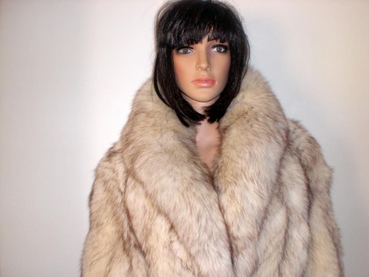 manteau fourrure renard blanc argent d 39 levage v ritable taille 38 40 com neuf luckyfind. Black Bedroom Furniture Sets. Home Design Ideas