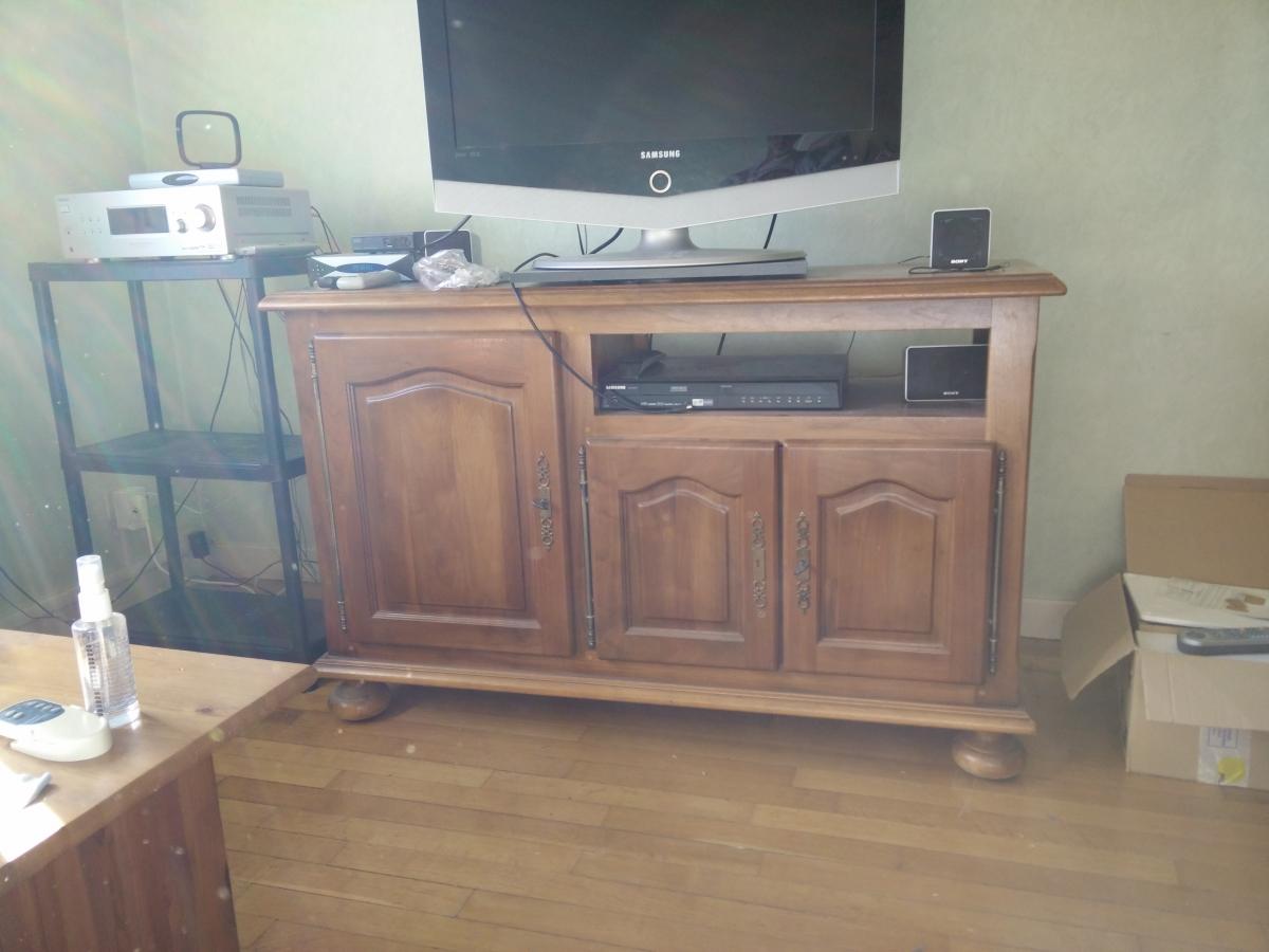 meuble tv 100 ch ne massif delmas luckyfind. Black Bedroom Furniture Sets. Home Design Ideas