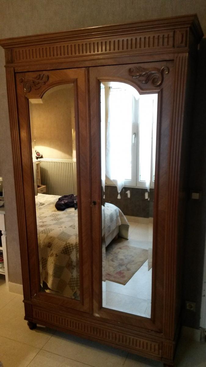 armoire vitree luckyfind. Black Bedroom Furniture Sets. Home Design Ideas