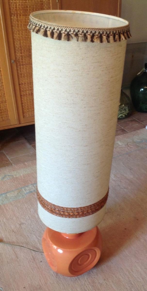 lampe de sol en céramique orange saumoné et abat-jour XXL en tissu ...