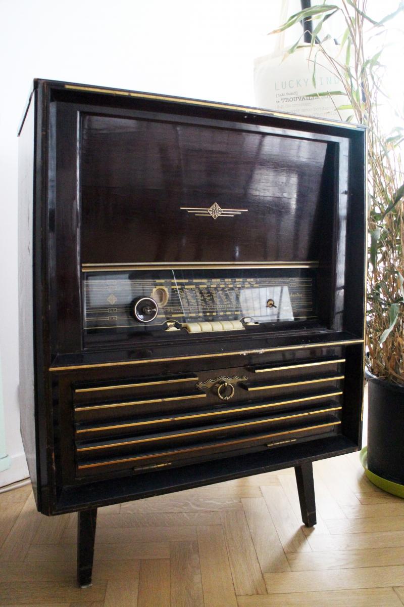 meuble radio vintage telefunken orchestra ann es 50 luckyfind. Black Bedroom Furniture Sets. Home Design Ideas