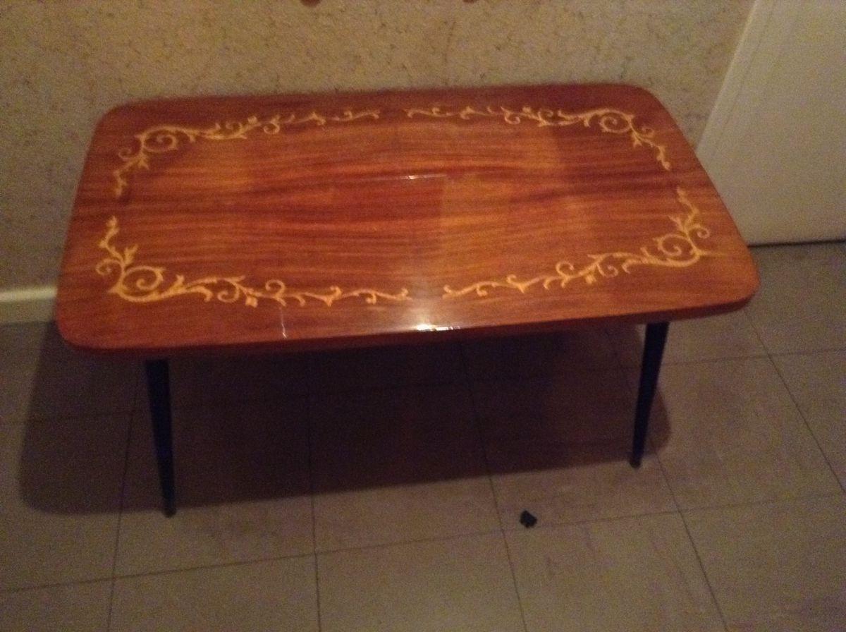 table basse ann e 70 luckyfind. Black Bedroom Furniture Sets. Home Design Ideas