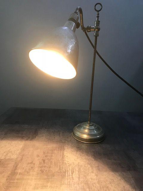 lampe de bureau art deco luckyfind. Black Bedroom Furniture Sets. Home Design Ideas