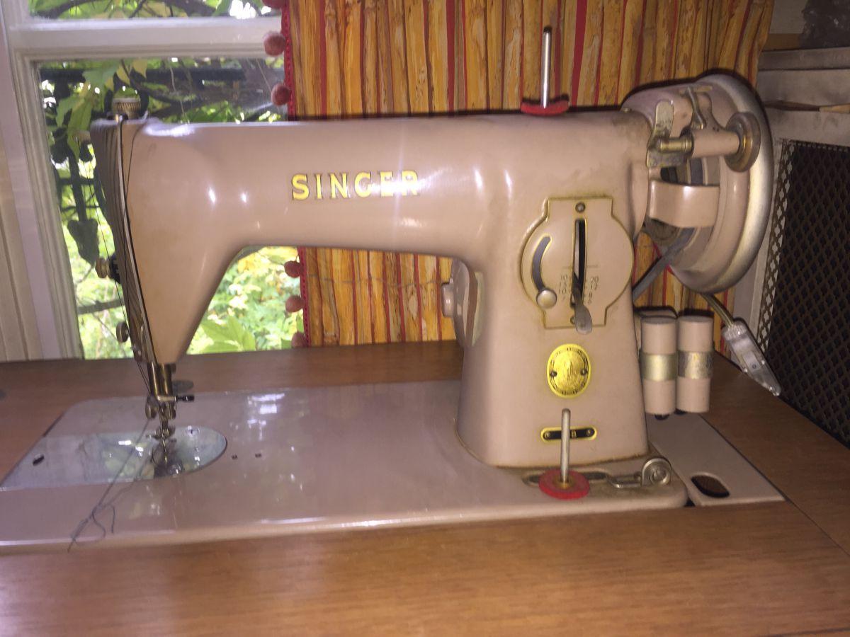 Machine coudre meuble vintage singer luckyfind - Meuble machine a coudre singer ...