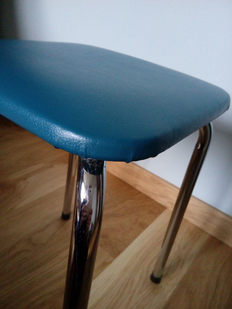 tabouret en m tal et ska ann es 60 70 revisit en bleu canard luckyfind. Black Bedroom Furniture Sets. Home Design Ideas