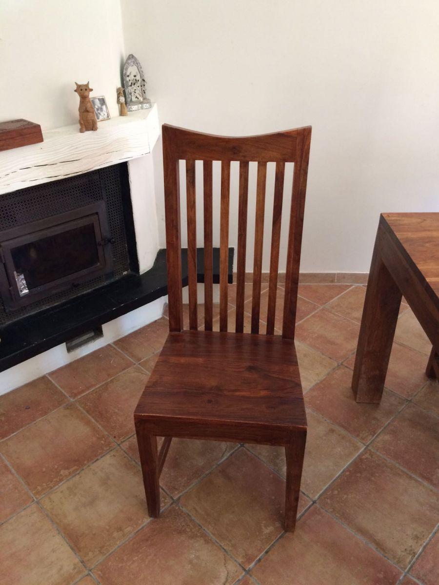 tr s belle table en bois exotique et ses 8 chaises luckyfind. Black Bedroom Furniture Sets. Home Design Ideas