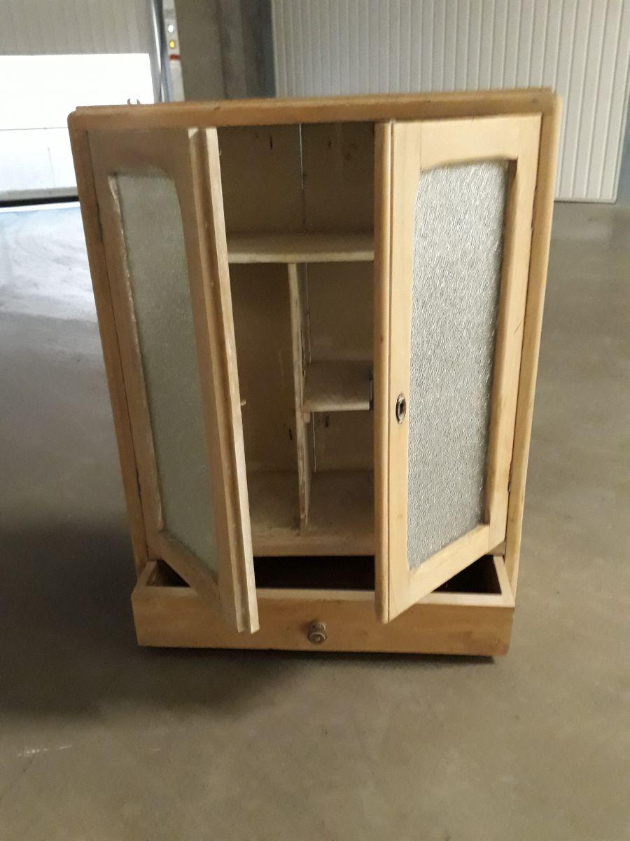 Petite armoire de salle de bain petite armoire de salle for Petite armoire salle de bain a suspendre