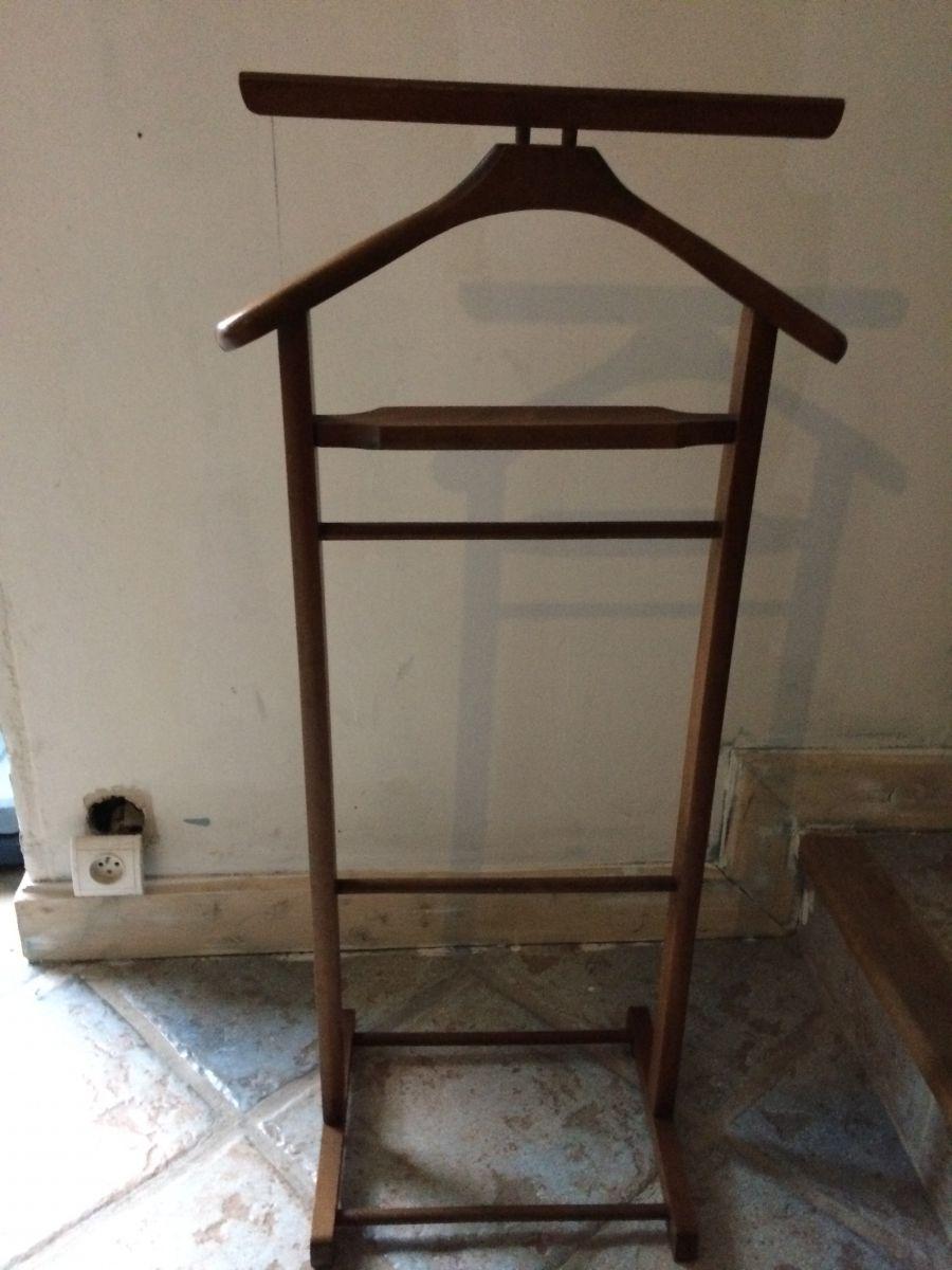 valet de chambre luckyfind. Black Bedroom Furniture Sets. Home Design Ideas