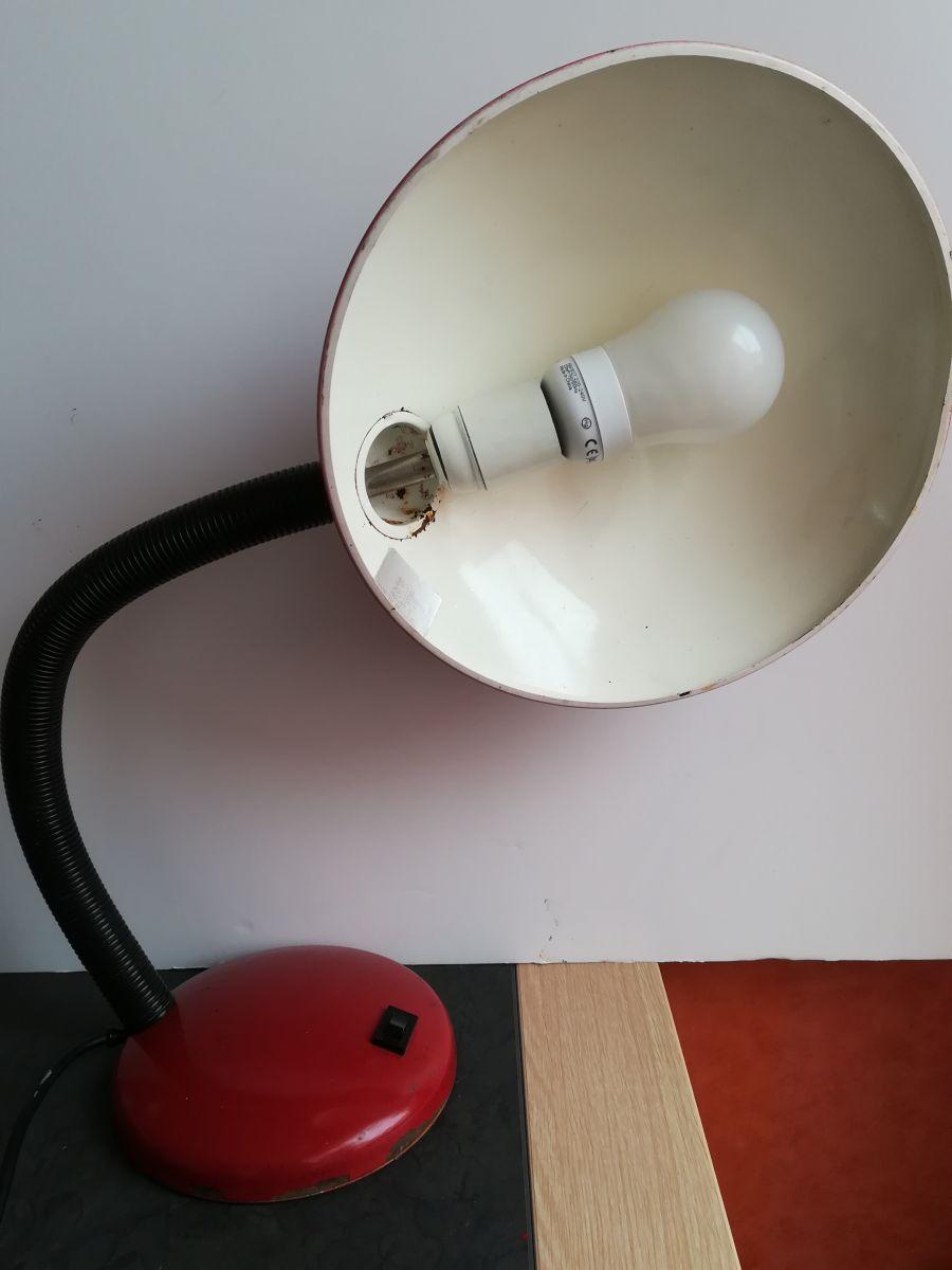 lampe rouge vintage 60 70 m tal et plastique style industriel luckyfind. Black Bedroom Furniture Sets. Home Design Ideas