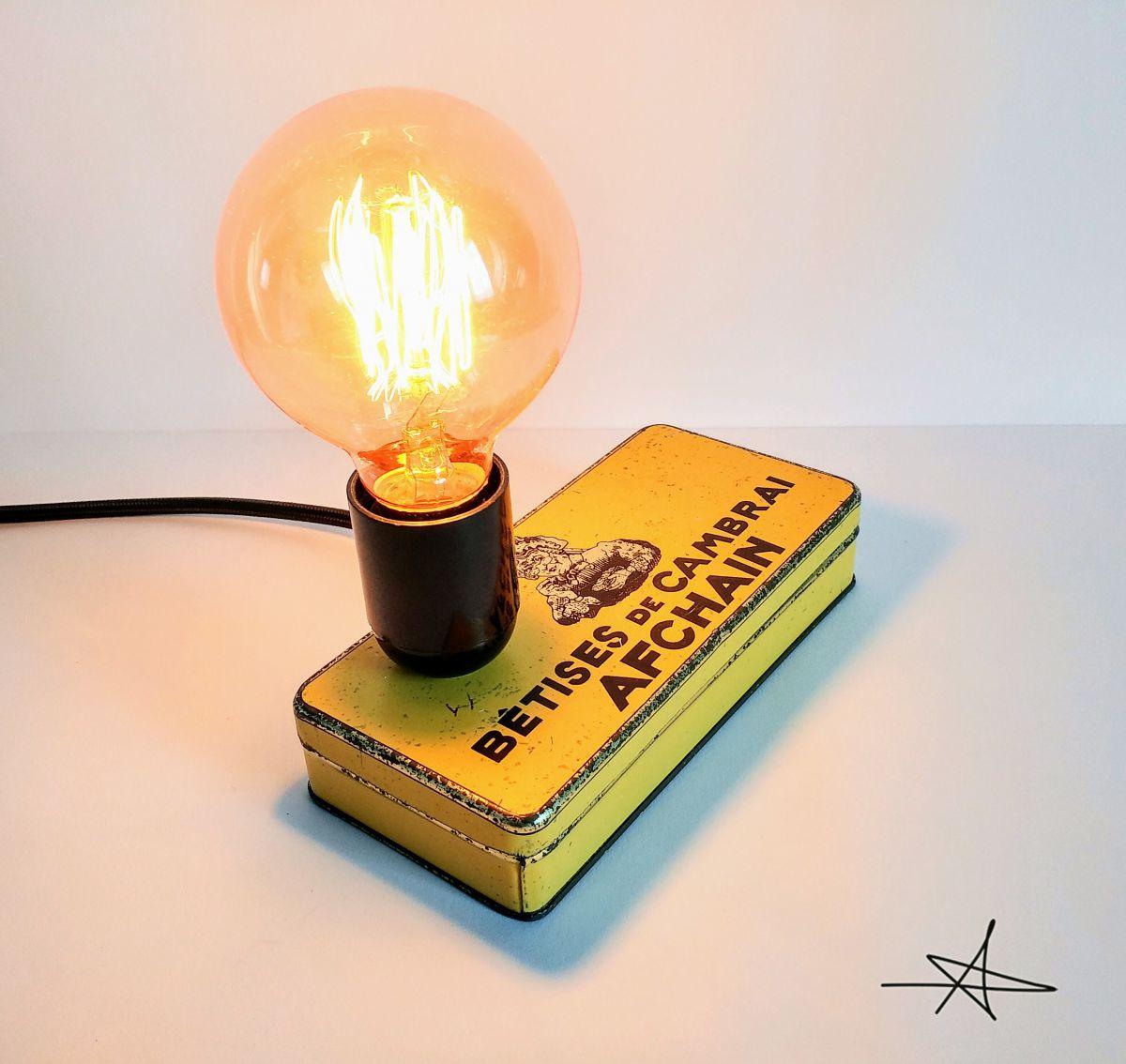 lampe vintage lampe d 39 ambiance lampe de chevet les b tises luckyfind. Black Bedroom Furniture Sets. Home Design Ideas