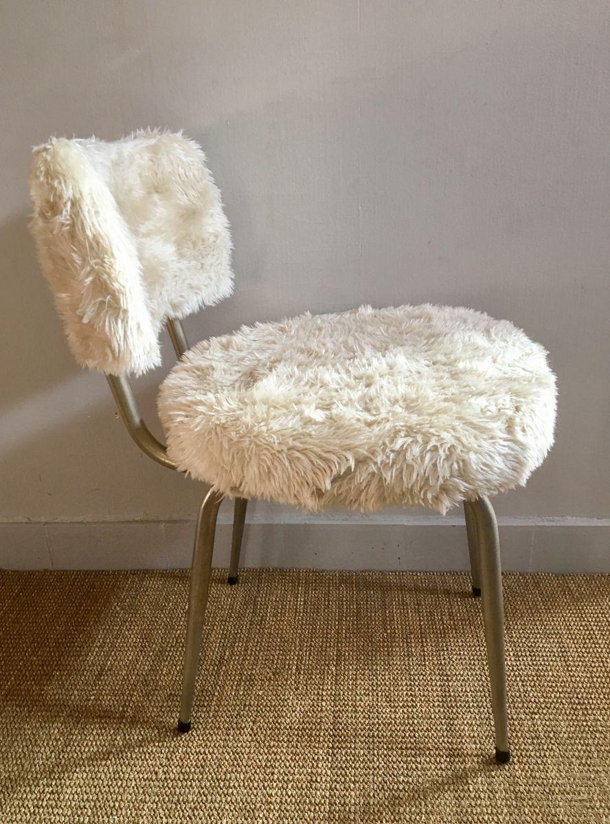 chaise moumoute 60 s vintage luckyfind. Black Bedroom Furniture Sets. Home Design Ideas