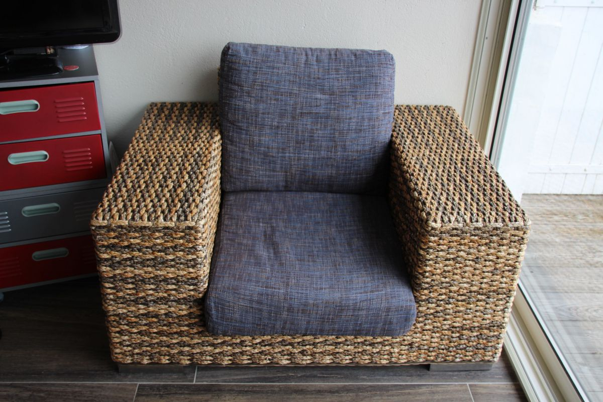 Canap 2 places fauteuil luckyfind for 2 canapes face a face