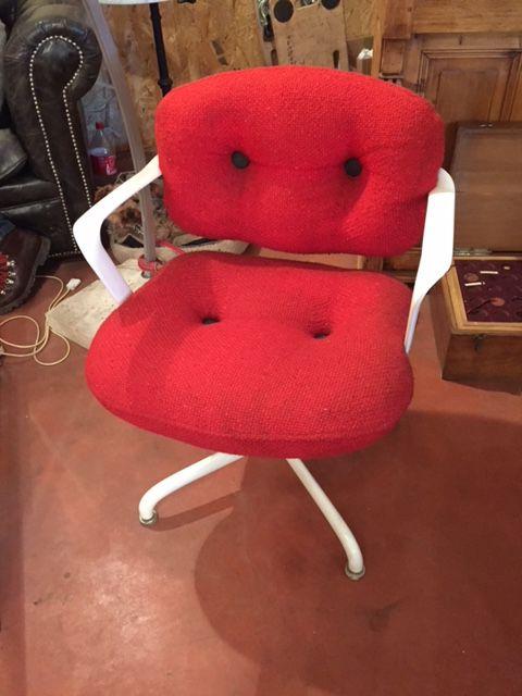 paire de fauteuils de bureau knoll par morrisson hannah. Black Bedroom Furniture Sets. Home Design Ideas