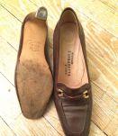 Escarpins Vintage en Cuir à Boucle Dorée