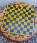boite en fer ronde ancienne - jeu de  dame +marelle