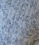2 dessus de lit en boutis et housses d'oreiller assorties