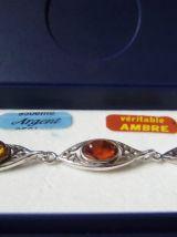 Bracelet en argent avec des pierres d'ambre de 3 couleurs dans son coffret