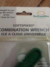 Golf- Clé à clous universelle verte pour crampons- Softpikes-Neuf- Black Widow