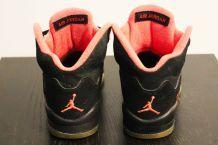 Baskets Jordan noires/corail