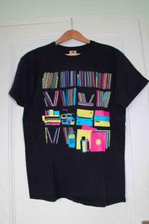 T-shirt noir imprimé multicolore