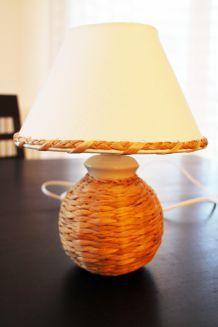 Lampe de chevet en osier