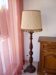 LAMPADAIRE RUSTIQUE CHENE MASSIF