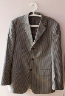 Veste de costume grise à fines rayures