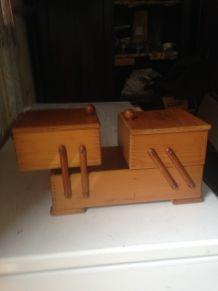 ancienne boite a couture en bois