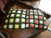 lot de 2 coussins crochets  vintage 1960