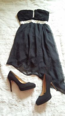 Robe de cocktail noir avec strass
