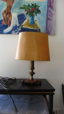 LAMPE A POSER DE FACTURE CLASSIQUE