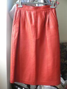 ensemble cuir rouge vintage