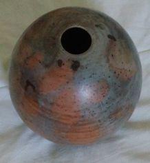 vase rond en argile