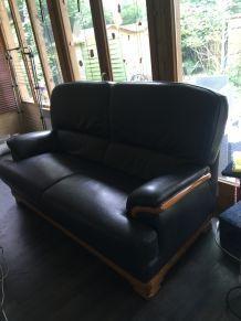 Canapé, poêle à bois etc