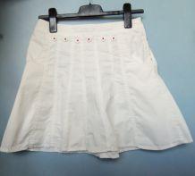 Jupe trapèze blanche avec 2 poches sur les côtés