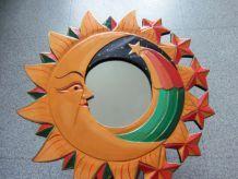 Miroir mural forme soleil avec motifs lune et étoile filante