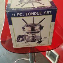 Joli set à fondue rétro neuf