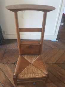 Chaise de prière en bois