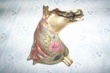 CENDRIER en laiton tete cheval decor fleurs relief