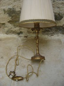 ancienne lampe dorée vintage
