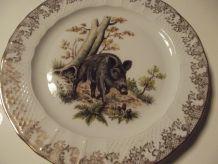 jolie assiette sanglier en porcelaine de Limoges