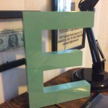 Lettre E en resine