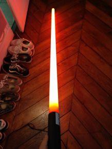 Lampe tube rouge