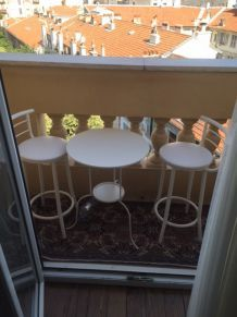 Table et tabourets (balcons,jardins)