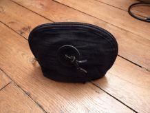 Pochette En Tissu Noir