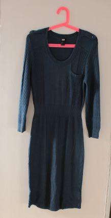 Robe moulante en lainage bleu canard