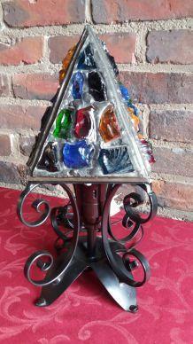 lampe a poser a pierre de verre multicolore et fer forgé