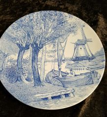 Grand plat en céramique delfts