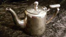 Ancienne théière metal argenté